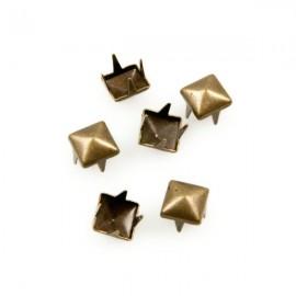 Studs Piramide 6mm Brons