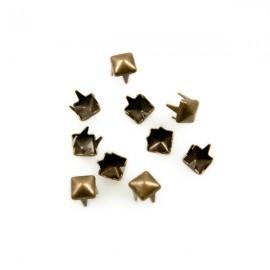 Studs Piramide 4mm Brons