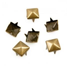 Studs Piramide 8mm Brons